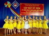 Liên Đội tham gia dâng hoa thầy cô giáo nhân ngày 20/11